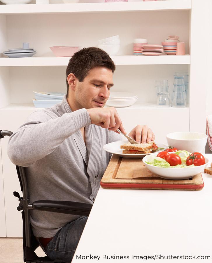 barrierefreie Küche mit Bewohner