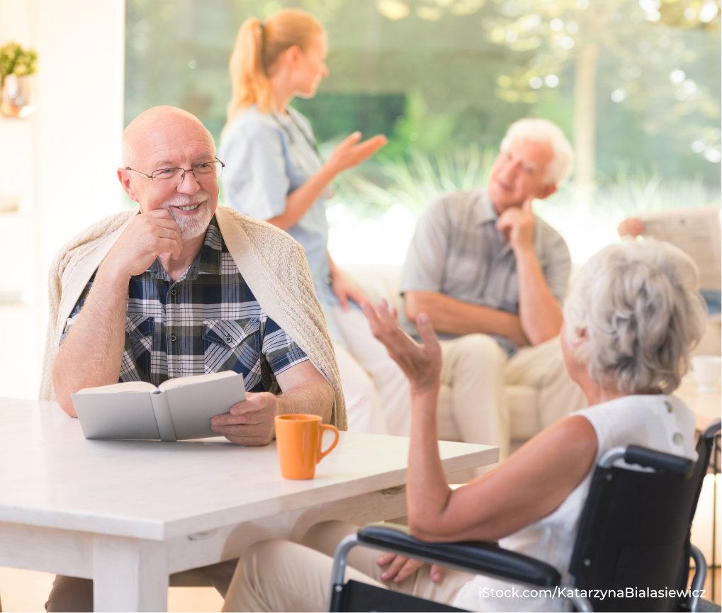 ältere Personen in Tagespflegeeinrichtung