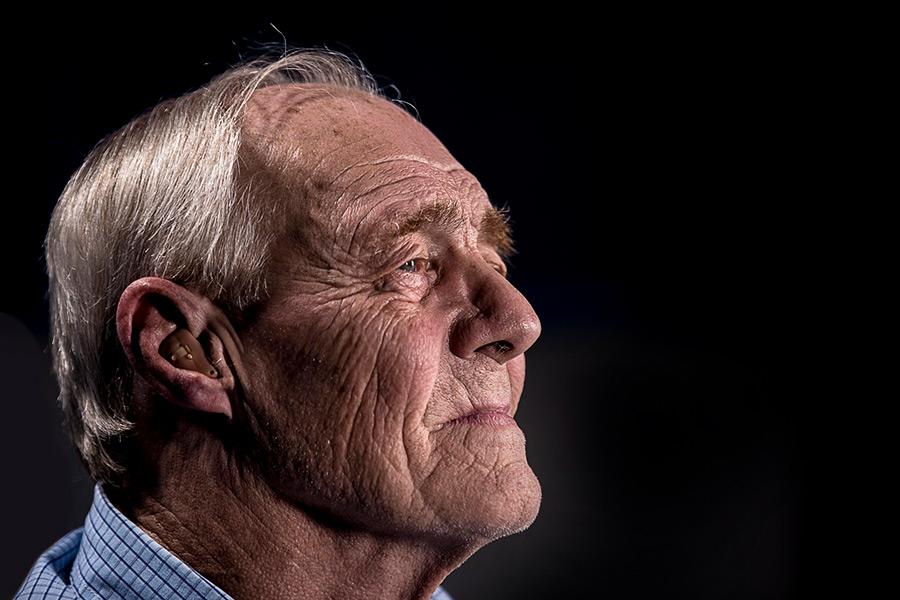 in Würde altern mit Pflege
