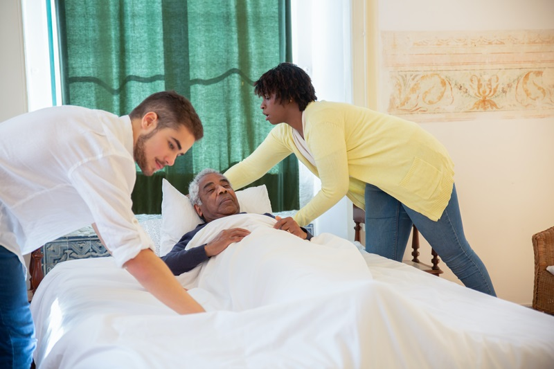 Pflegedienst bei der Arbeit, Pflegeheim