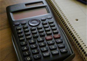 Taschenrechner für die Berechnung von Pflegekosten
